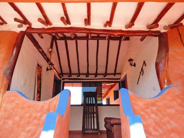 Apartamento vacacional en Playa el agua - La Mira - Appartement