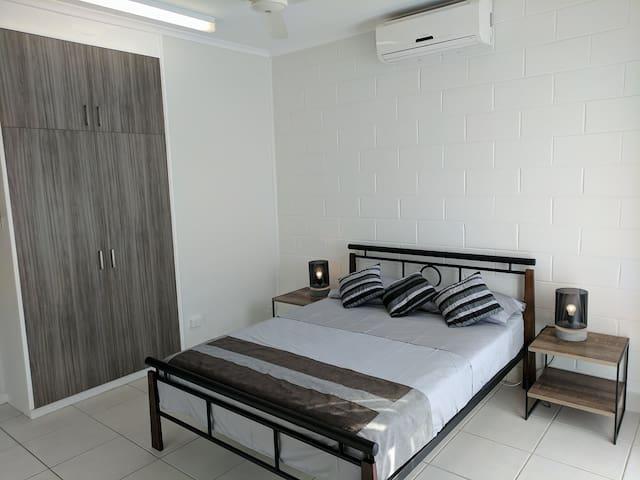 Woods Street Retreat - Darwin City - Casa