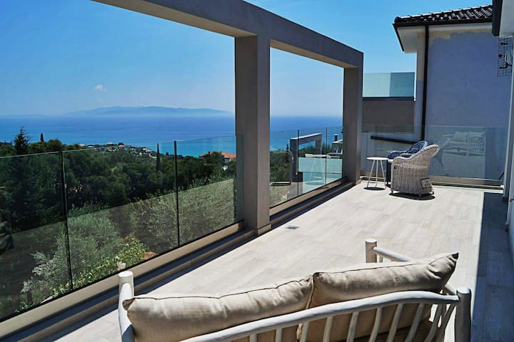 Villa - excellent view and pvt pool in Kefalonia - Kefallonia