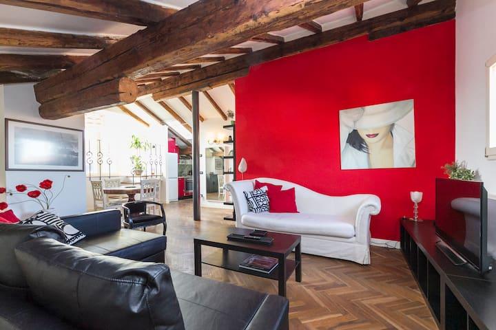 Nice attic in the hearth of Bologna - Bologna - Leilighet