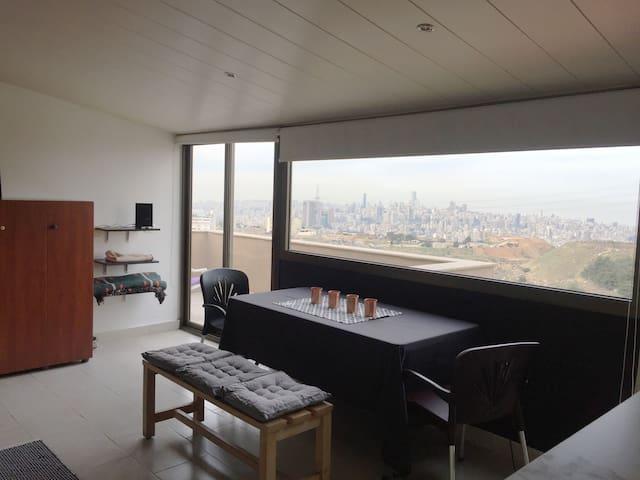 Killer Beirut view from my studio - Mansouriyeh - Appartement