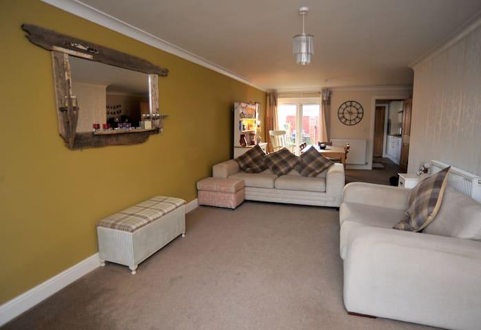 Modern coastal 3 bedroom house in Saltburn - Saltburn-by-the-Sea