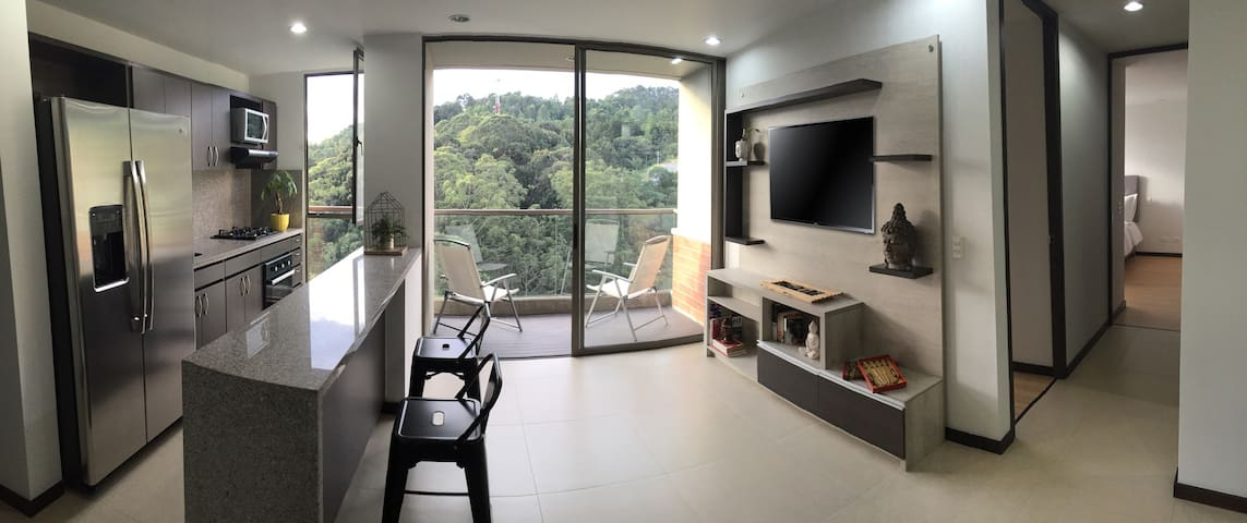 New Apartment, Great Location, Close to Nature - Medellín - Leilighet