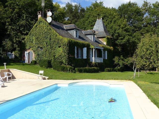 Maison de caractère dans l'Aveyron - Saint-Cyprien-sur-Dourdou - Hus