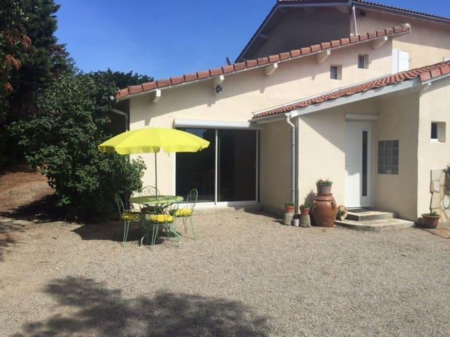Studio 50 m2 calme avec vue magnifique - Chavanay - Daire