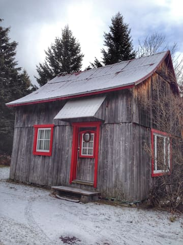 Warm and welcoming rustic cabin - Saint-Joachim - Hytte (i sveitsisk stil)