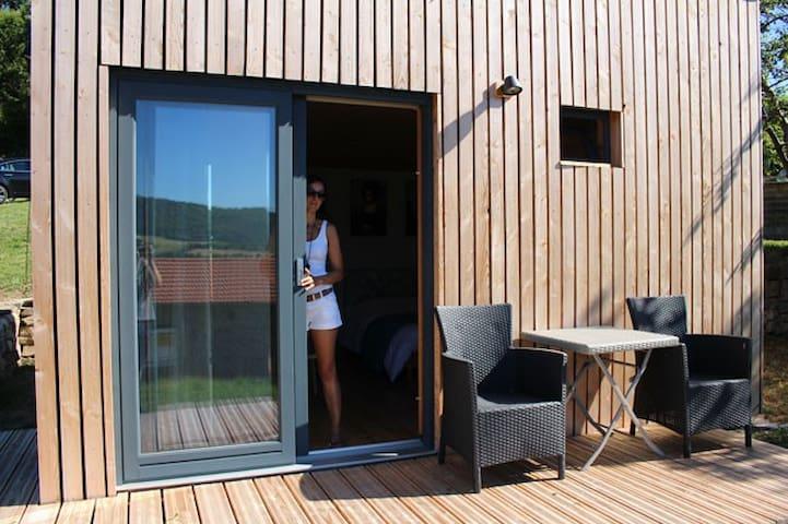 Cabane  bois avec toiture végétalisée en Ardèche - Saint-Symphorien-de-Mahun - Kulübe