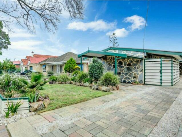 Beautifully presented accommodation - Plympton - Huis