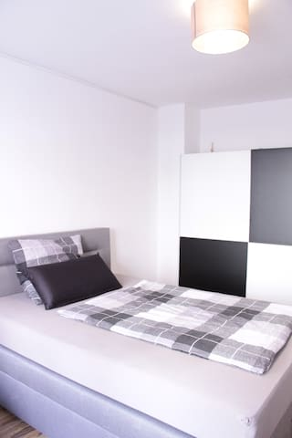Central Apartment with Wi-Fi and italian Coffee! - Nürnberg - Apartmen