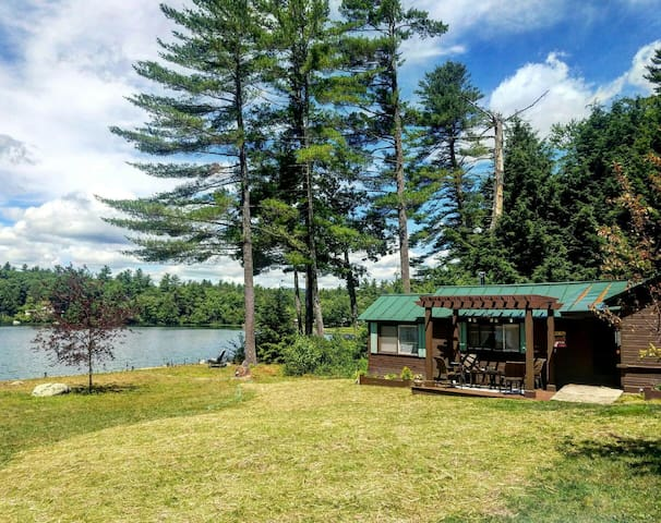 Charming cottage on quiet lake - Webster - Cabaña