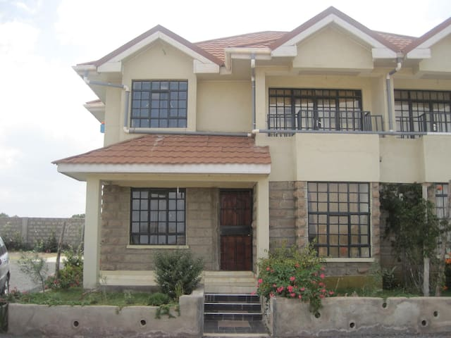 Spacious 4 bedroom house. All rooms ensuite - Nairobi - Dom