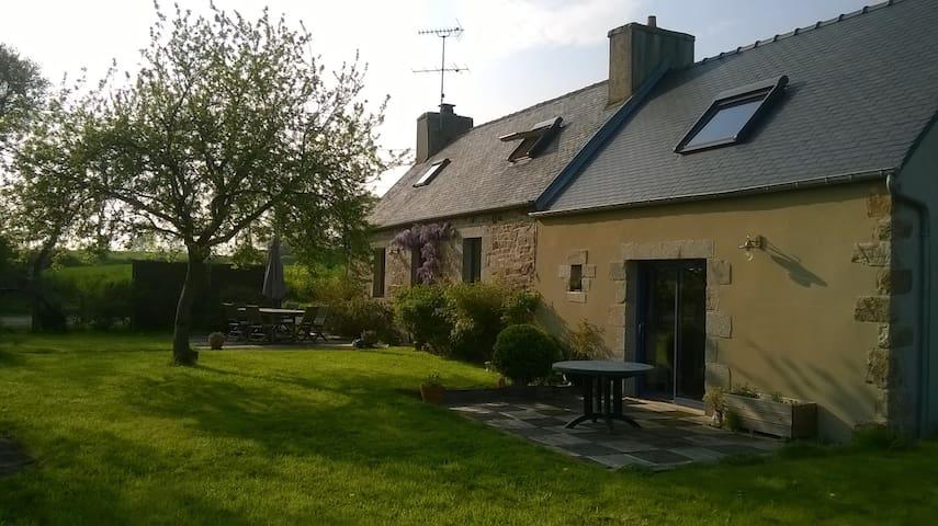Maison des buissons - Bégard - Huis