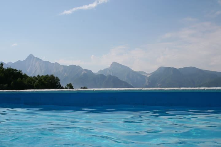 Sunny stone cottage pool sleep 10 - Fivizzano - 一軒家