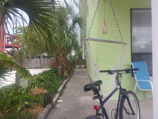 Vibrant Beachside Townhome (Petfriendly) - Mexico Beach - Şehir evi