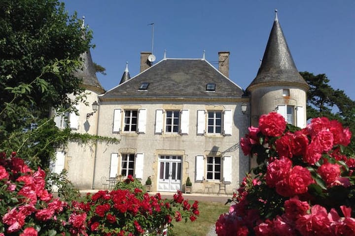 1  Twin Bedroom in a Château (4) - Le Chillou - Oda + Kahvaltı