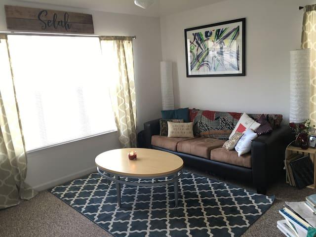 Cute spare bedroom in apt near UF - Gainesville - Apartment