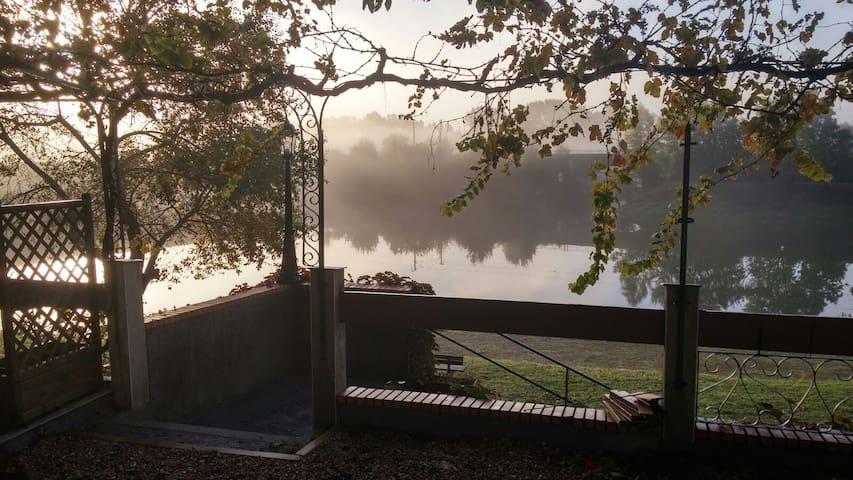 gîte au bord de l'eau - Oudon - Rumah