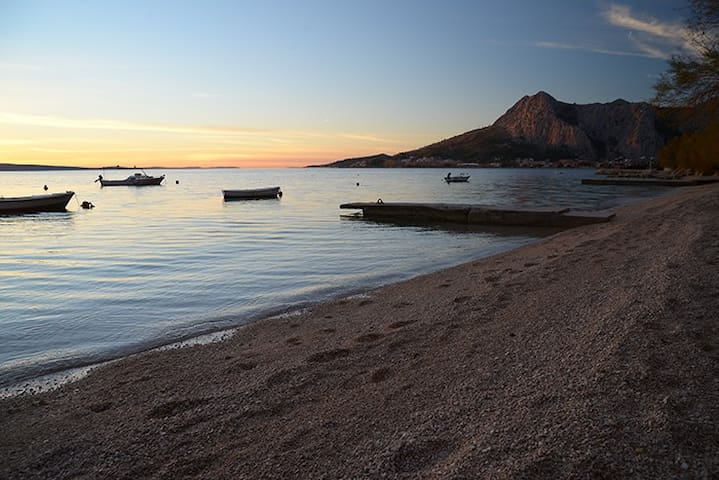 Apartment by the sea side A2 - Omiš - Appartement