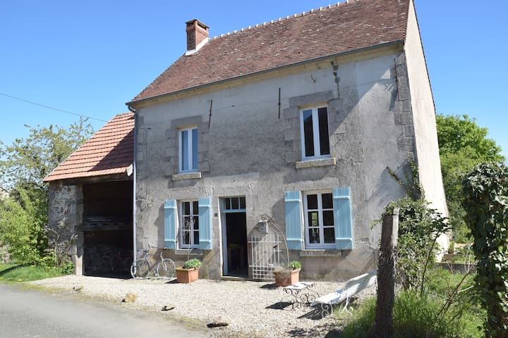 Relaxed family maison in a little hamlet - Saint-Sulpice-le-Dunois - Hus