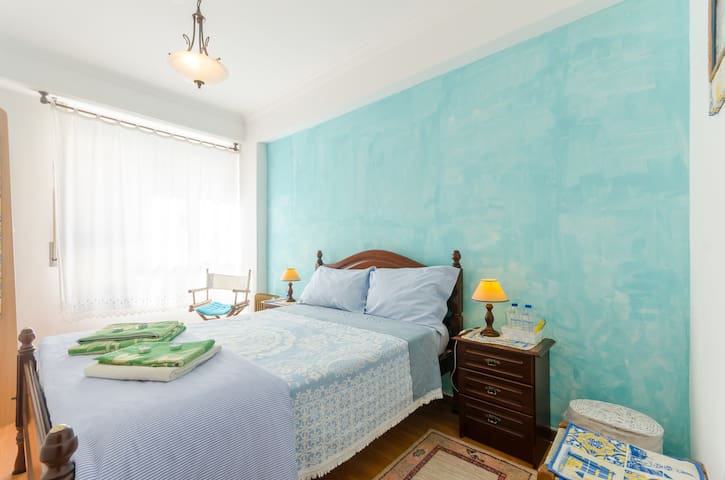 Double bed near Lisb airport(Blue) - Loures