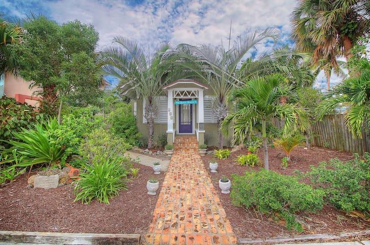 Spacious Beach House Sleeps 6 - Lake Worth - Casa
