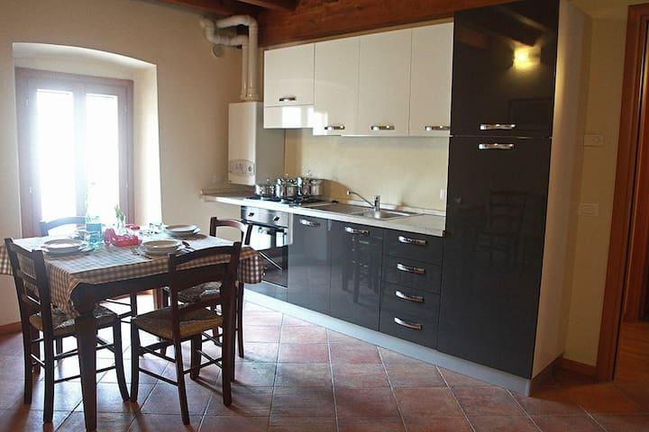 Castellaro Apartment #4 @ Corte Rosa: 6 places - Cavriana - Apartemen