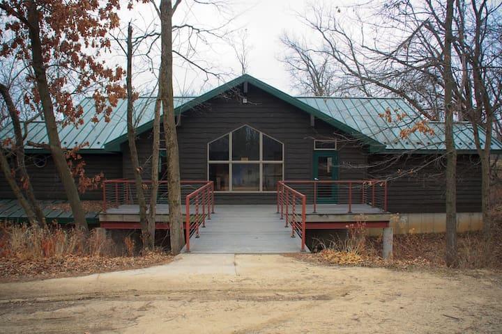 Hackberry - Pilgrim Heights Camp & Retreat Center - Montour - Gjestehus