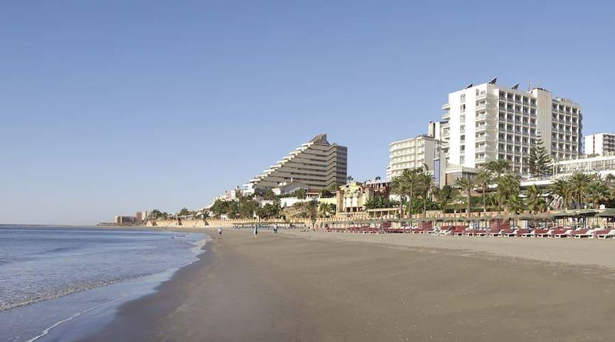 BEAUTIFUL STUDIO WITH SEA VIEW - Benalmádena - Leilighet