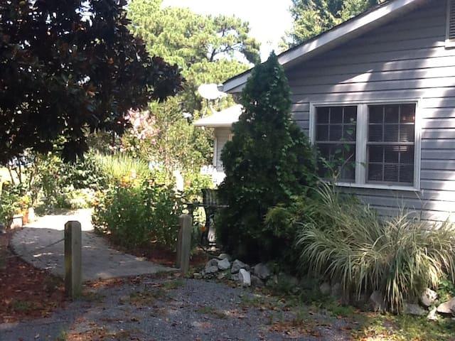 Eastern Shore Charm on Winchester Creek - Grasonville - Rumah Tamu