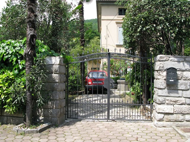 Belle-epoque villa - garden studio 3 min to beach - Opatija - Villa