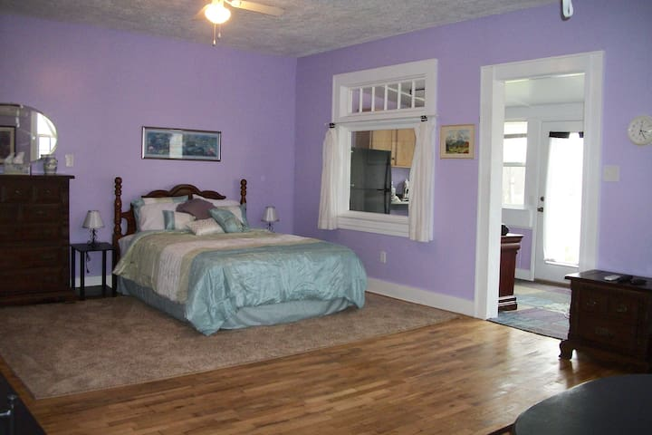 Forever Grateful Farm Downstairs Suite - Brightwood - Casa