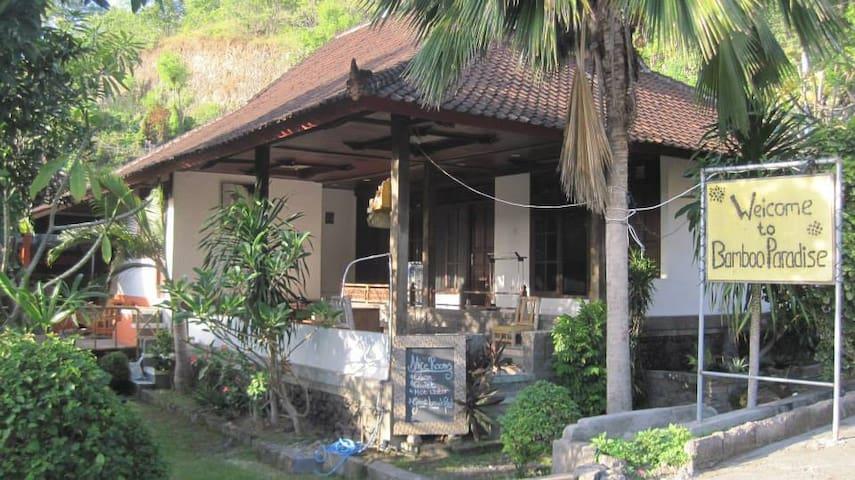 Bamboo Paradise Guesthouse and Dorm - Manggis - Inap sarapan