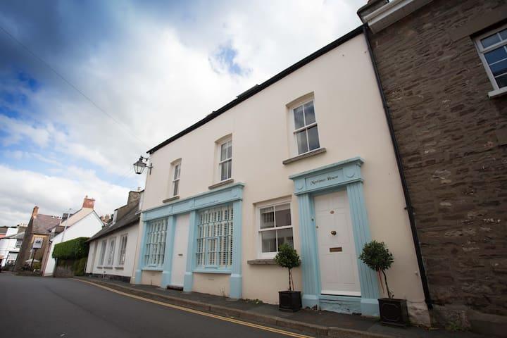 No. 3 Mortimer House 4* Self Catering, Crickhowell - Crickhowell - Huoneisto