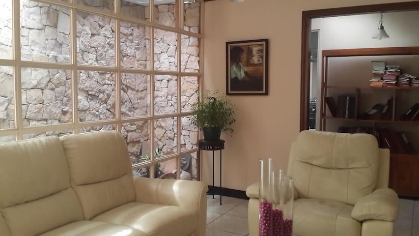 Shared Room for 2 - San José - Casa