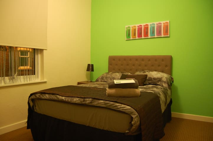 Comfortable Private Room - Double Bed & TV     (5) - Stoke-on-Trent - Huis