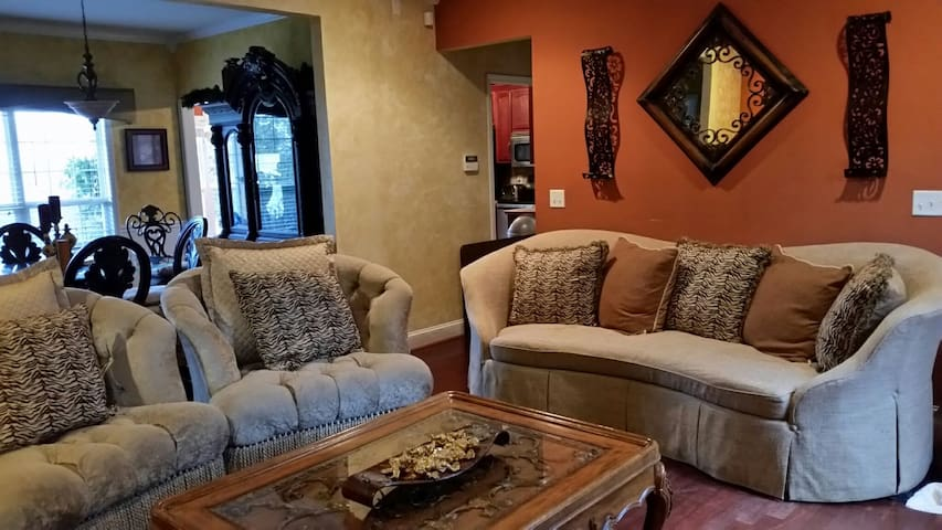 LG  Hme Main Level Only. 3 BR 2 BTH - Odenville