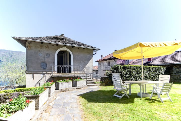 Depandance in Count's historical mansion (Sleeps4) - Brolo - Appartement