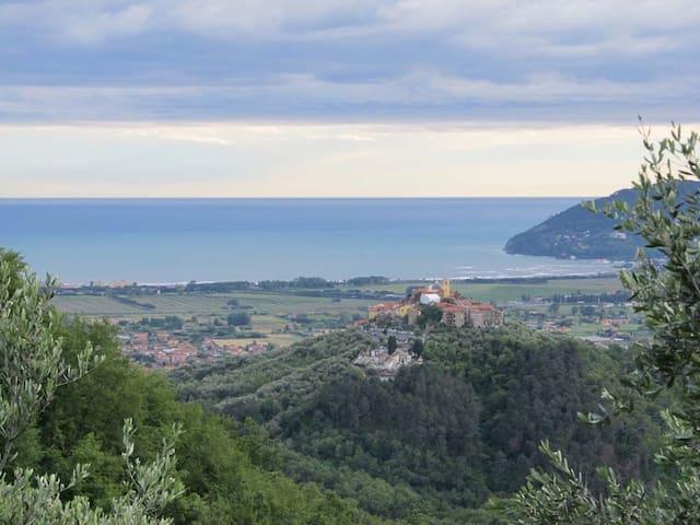 In collina, tra il Mar Ligure e le Alpi Apuane - Ortonovo - Appartement