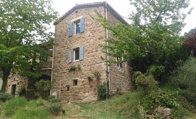 Maison ardéchoise - Saint-Maurice-en-Chalencon - Дом