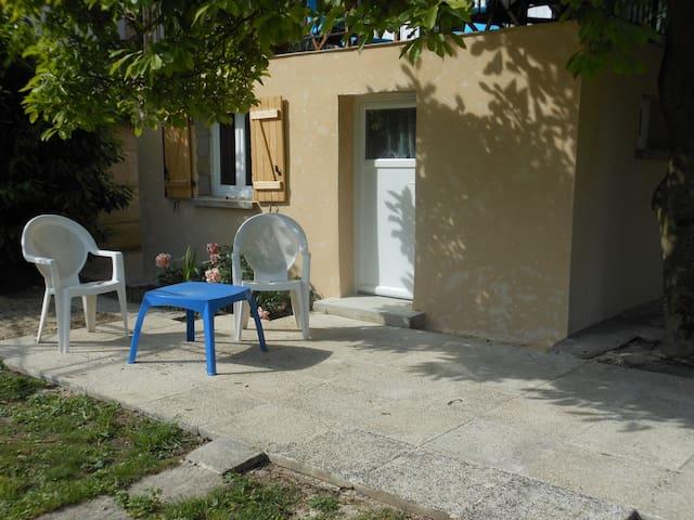 Charmant studio tout meublé tout confort - Margny-lès-Compiègne - Daire