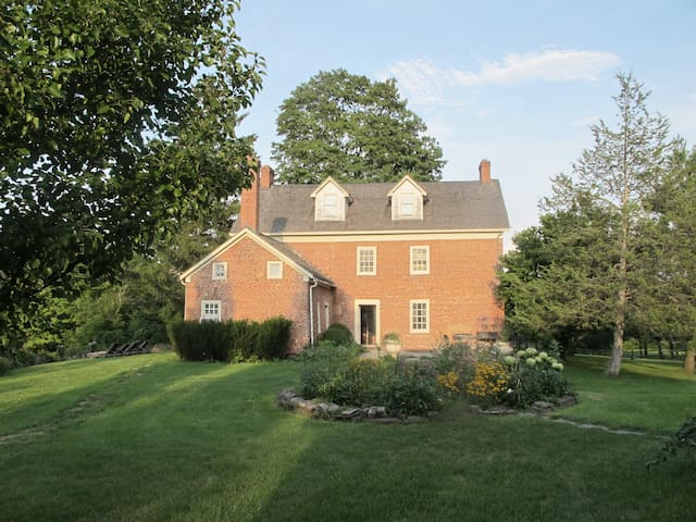A Room for 1 in a private room with a View - Coxsackie - Huis