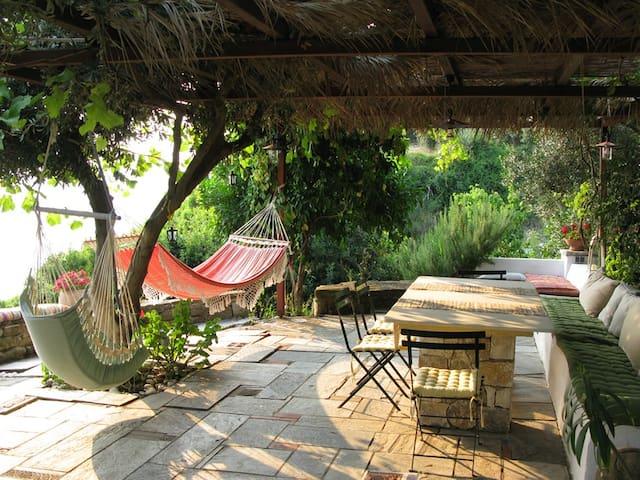 Semi-Private Boutique Beach Villa - Ligia - Haus