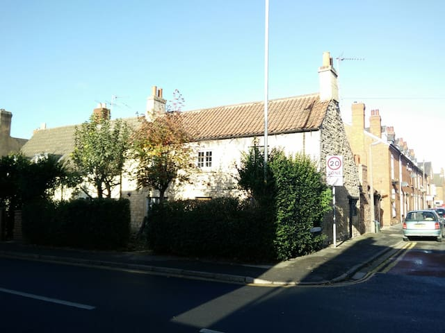 18th Century Stone Cottage in Cathedral Quarter - Lincoln - Ev