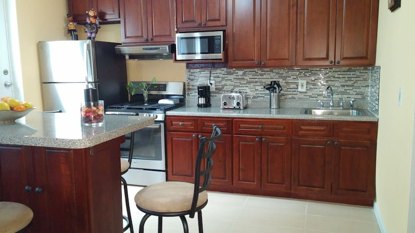 Luxury apartment at a bargain price close to NYC. - West New York - Talo