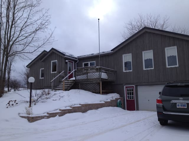Country home close to Collingwood! - Duntroon - Hus