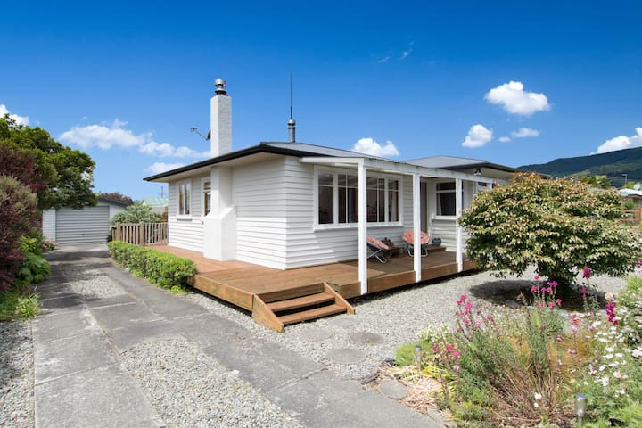 Honey Cottage - 3 Bedroom Home - Richmond - Casa