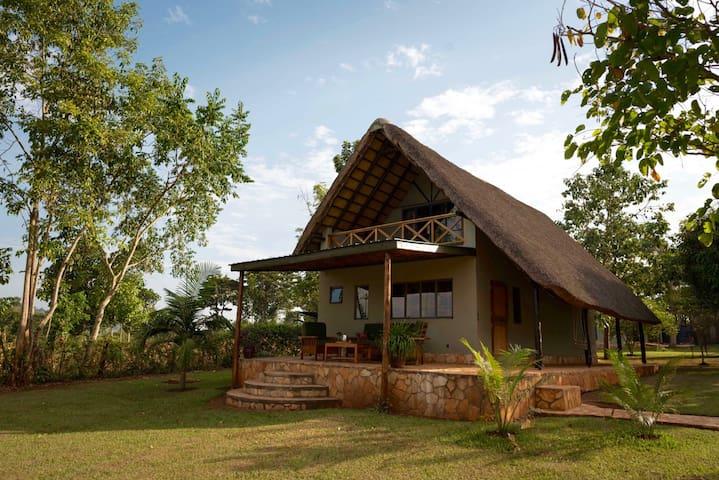 Nile Falls Cottage - Kayunga - House