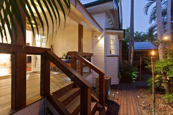 Tropical Cottage Retreat - Currajong