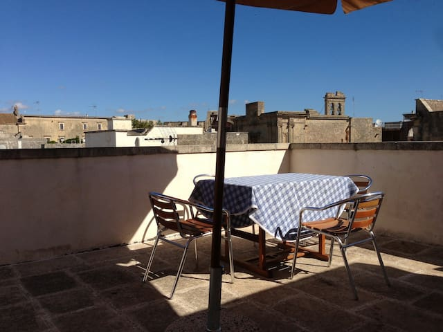 Salento Tricase old town - Flat with large terrace - Tricase - Departamento
