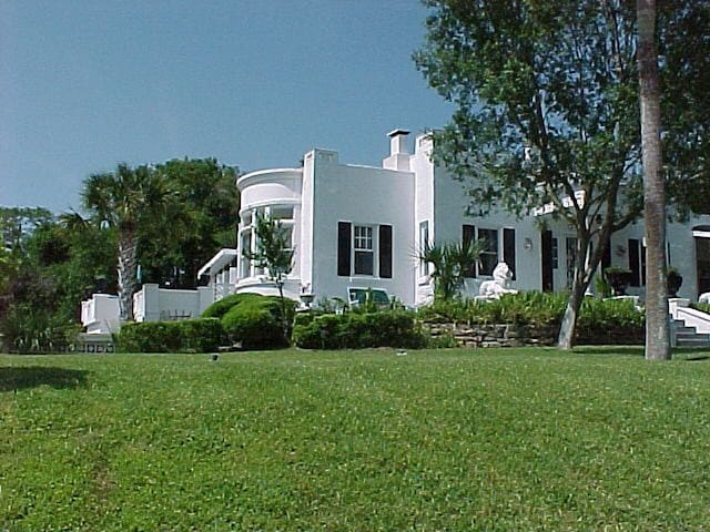 Beach Side Rental at Historic Home - Ormond Beach - Lägenhet